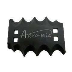 1  Nóż do paszowozu, prawy, ząbkowane ostrze, otw. 11x11, gr. 5 mm